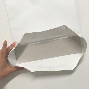 紙袋分解中の写真です(5)