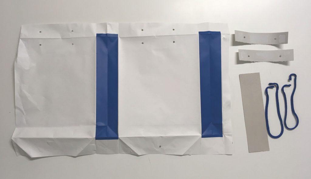 紙袋分解中の写真です(11)