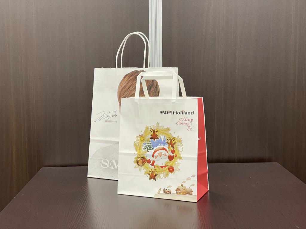 カラー輪転式紙袋が海外生産でできるようになりました。